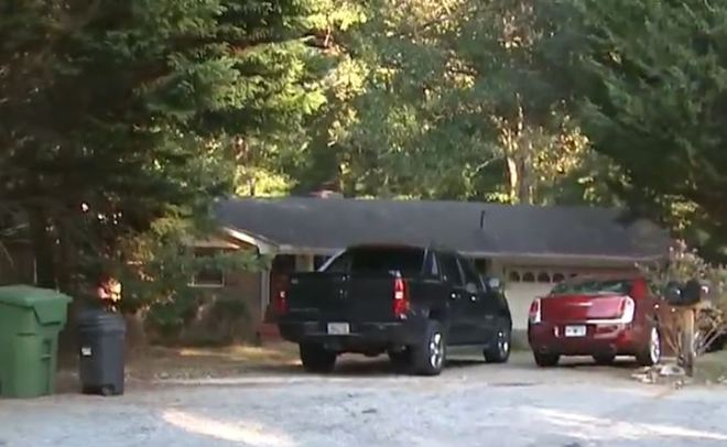 Homeowner shoots three teens during attempted robbery