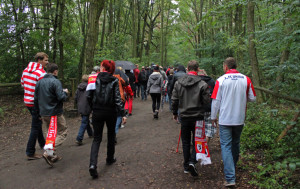 En route to Alte Försterei through the forest