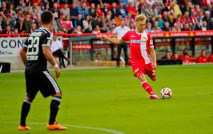 This Björn Jopek free-kick hit the crossbar