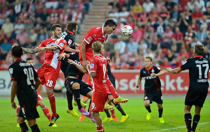 Fabian Schönheim with a header