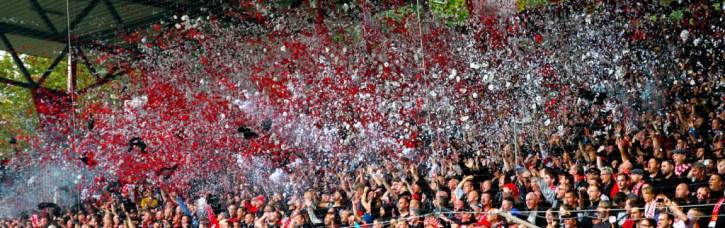 Chaos confetti intro