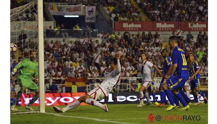 Gol Miku en el Rayo 3-0 Cádiz