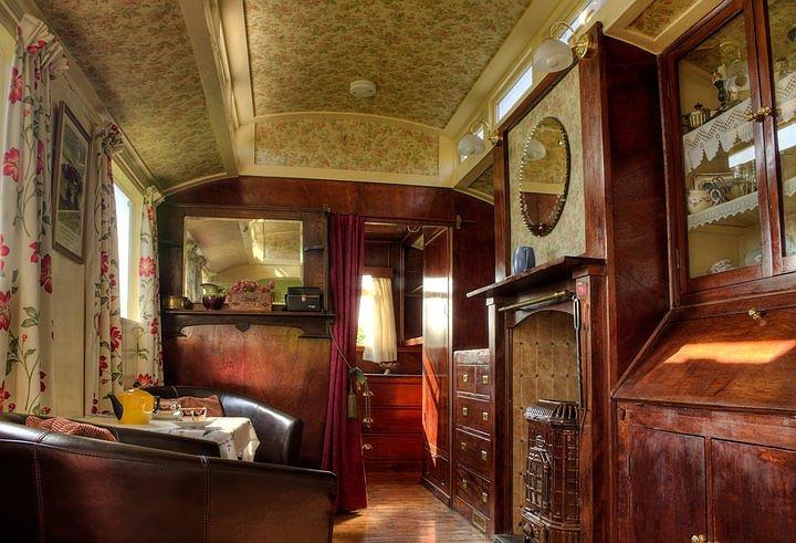 Romany Gypsy Caravan  Showmans Waggon