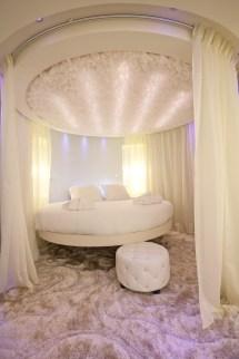 Hotel Seven Paris Round Bed