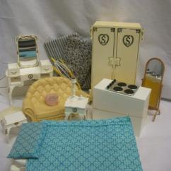 Dollhouse Sofa Aleksa Namestaj Sindy Doll Collection To Delight At Unique Auctions - 2013 ...