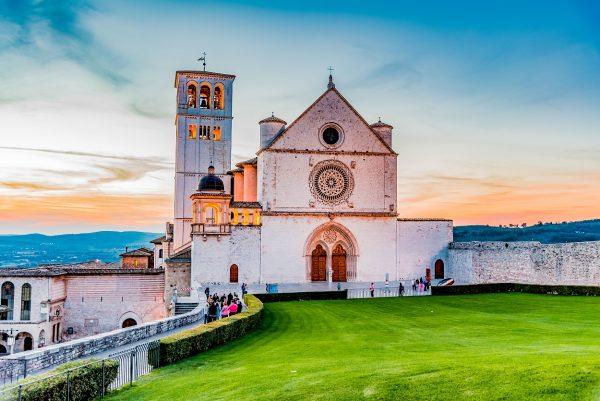 Assisi sursa www. Christian Tour.ro