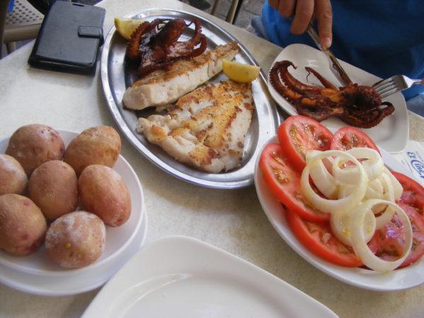 Unde mai mâncăm bine și ieftin pe insulă