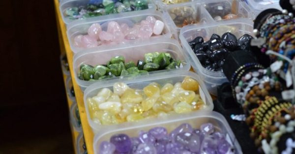 Magazin StoneMania Bijou pietre semipretioase Bucuresti 2 oeuj n0 1024x536 1 Povestea bijuteriilor și cristalele potrivite personalității mele