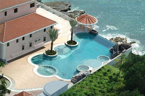 Despre vacanță și activitatea de întreținere a piscinei