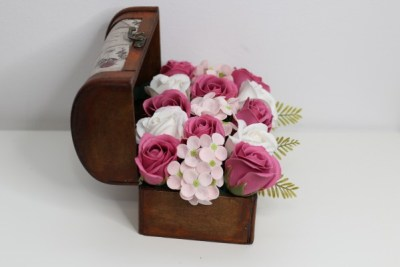 Cadoul floral . Buchet flori săpun