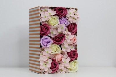 cutie vesela 1 Cadoul floral bine ales, transmite mesajul corect