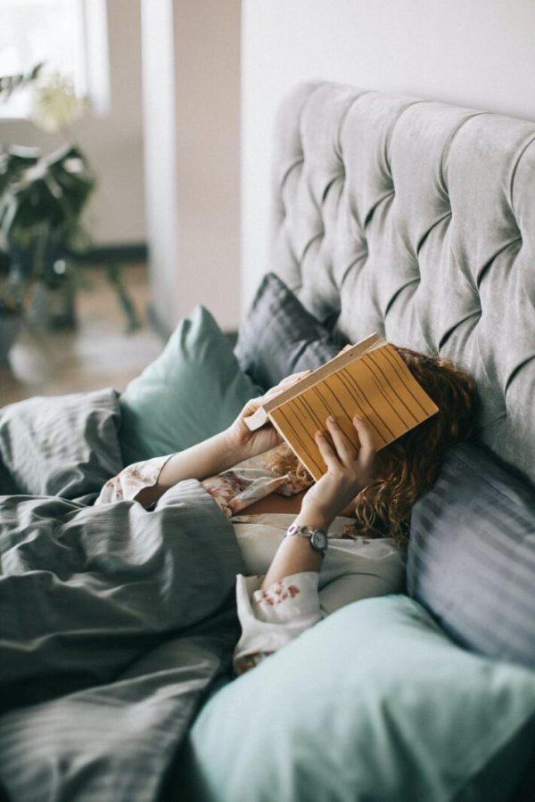 pexels photo 1524232 Recomandări și exerciții pentru somn de calitate