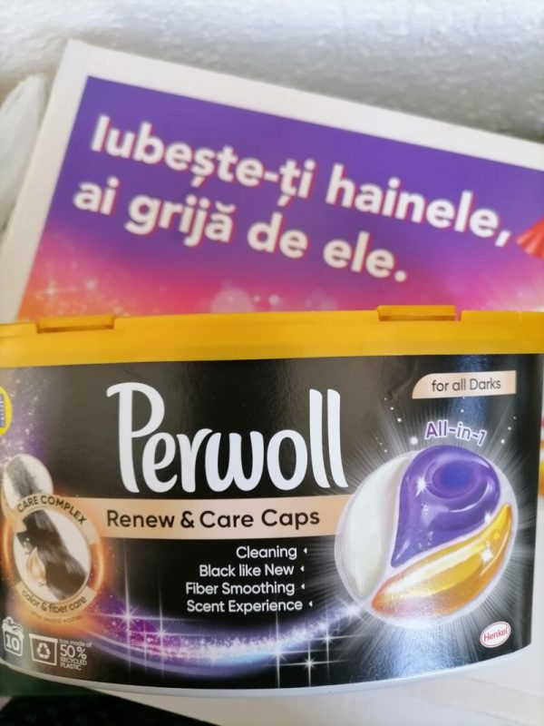 detergentul Perwoll caps rufe negre
