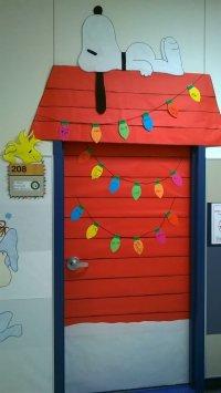 10 Spectacular Christmas Office Door Decorating Ideas