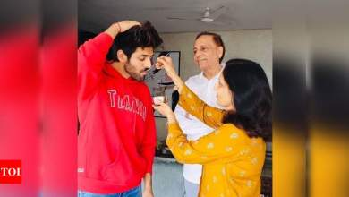 Here's how Kartik Aaryan geared up to watch PM Narendra Modi's address to nation | Hindi Movie News
