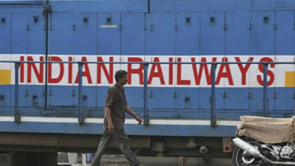 Indian Railways: Railways canceled many trains, check the complete list