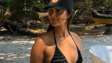 Ileana D'Cruz teasing fans with her bold pictures on the beach, see her pictures