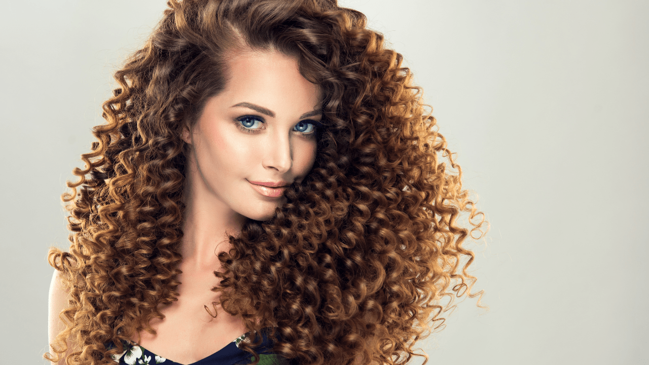 Tips to Care for Your Frizzy Hair to Look Stylish