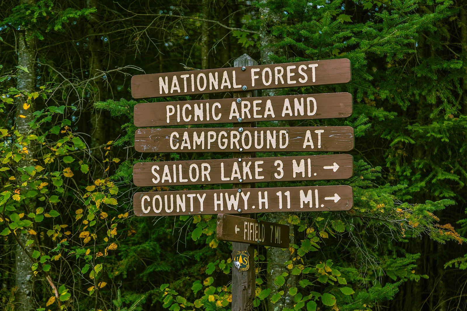 Chequamegon-Nicolet_National_Forest_Directional_Sign in wisconsin