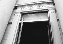 IMG_4086_temple-israel-entry_2500-b&w