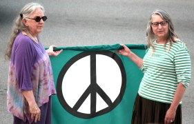 IMG_4685_peace_2500