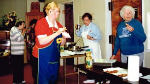 Latke tasting in the Vestry Room. From left: Terry Brodie, Louise Sommers (partially obscured), Laurel Fischbaum, Allane Zucker, Vera Fortner.