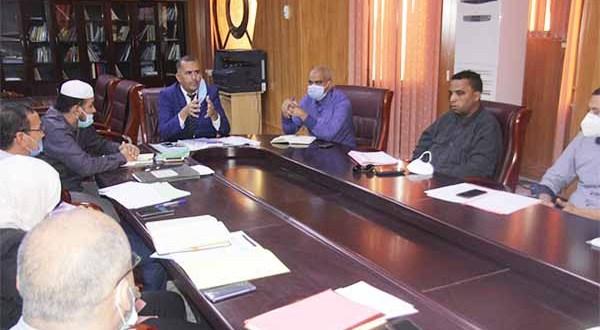 جلسة عمل مع الطاقم الإداري للأمانة العامة