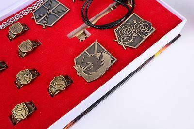 Lot de bijoux L'attaque des Titans