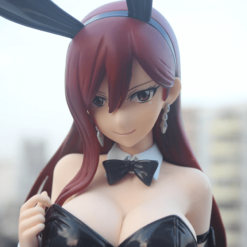Figurine fairy tail erza
