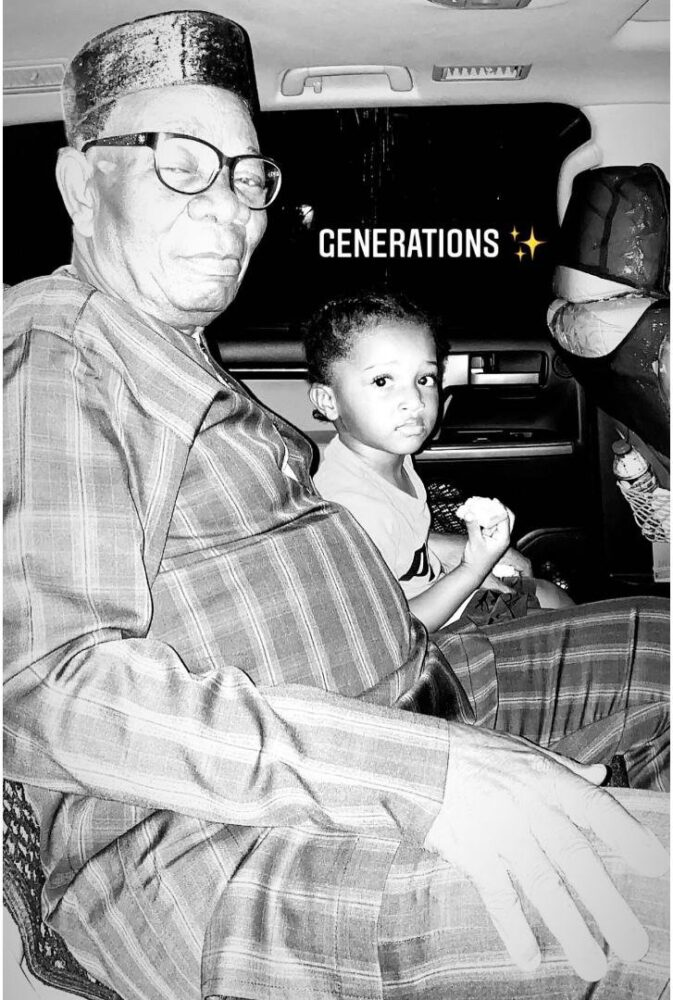 zion-and-his-grandfather2024614687960179153.-673x1000 Wikid's 3rd son, Zion finally meets his grandfather (Photo)