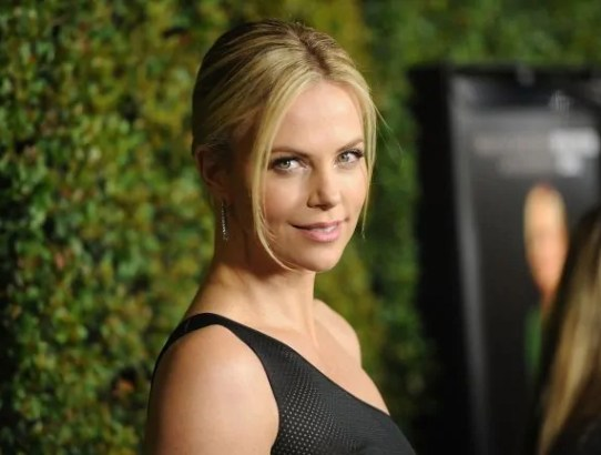 charlize theron fast8