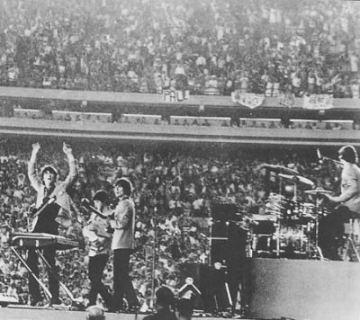 shea-stadium-beatles