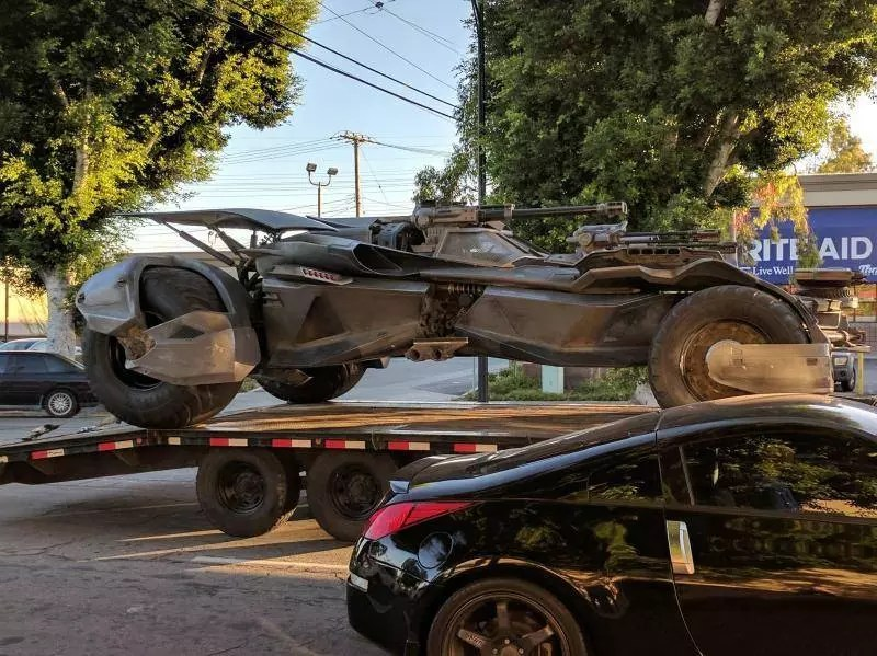 batmobile justice league set