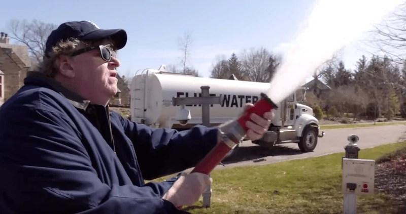 Il trailer di Fahrenheit 11/9, il documentario di Michael Moore su Donald Trump