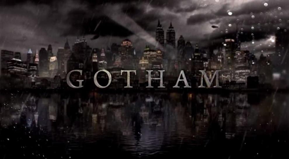 Villa Wayne in rovina nelle foto dal set di Gotham 5