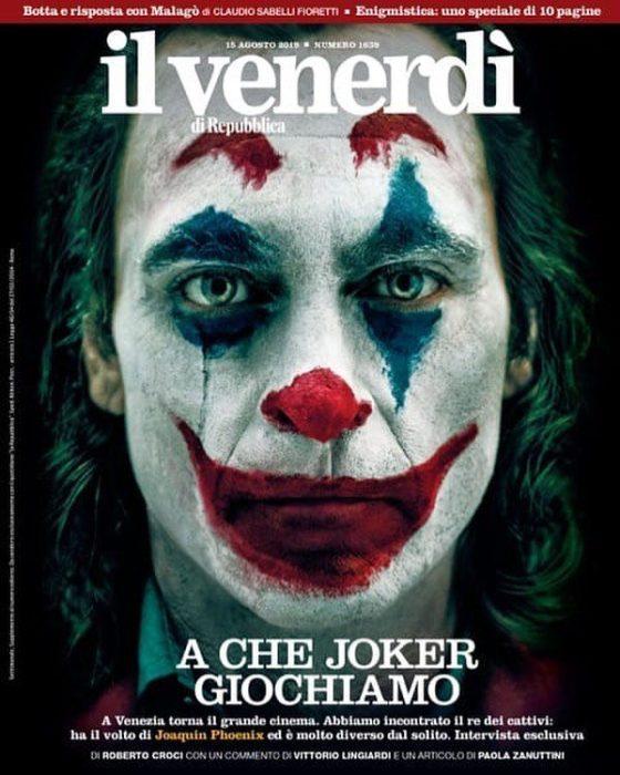 Il Joker di Joaquin Phoenix sulla copertina di Il Venerdì di Repubblica
