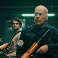 Recensione di Breach: Incubo nello spazio, l'horror sci fi con Bruce Willis