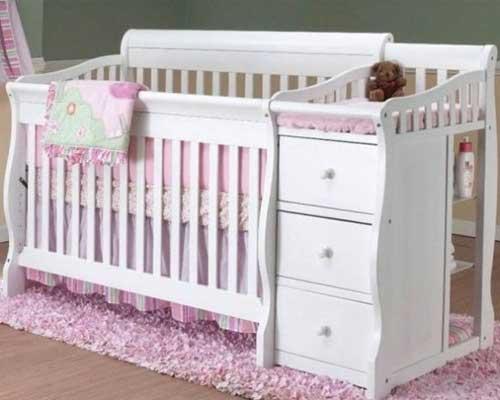 Tempat Tidur Bayi Serbaguna