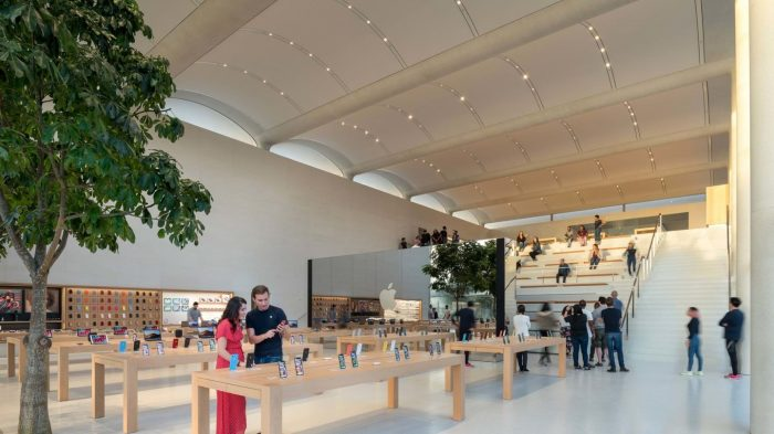 Have a look inside Apple Miami Store Aventura