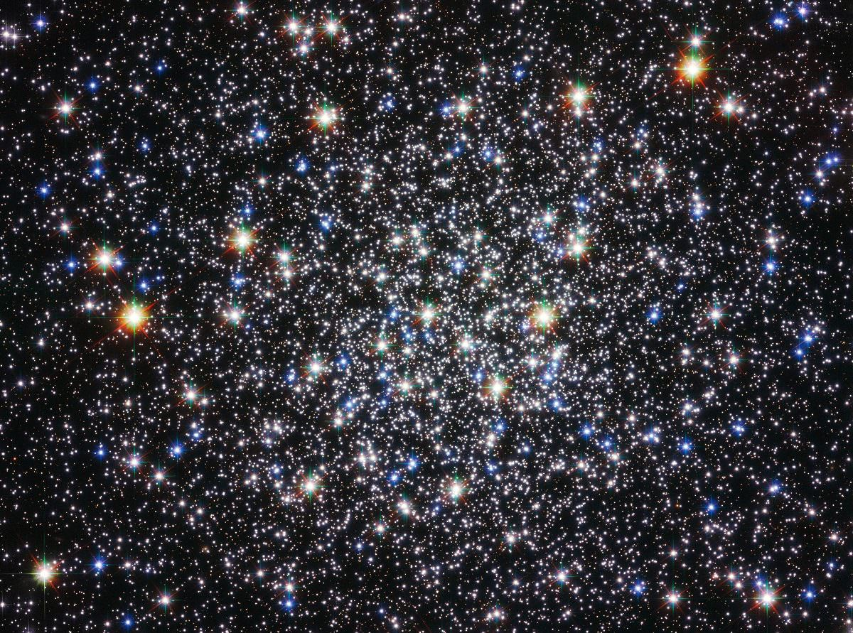 Messier 13 (M13) - The Great Hercules Cluster - Universe Today