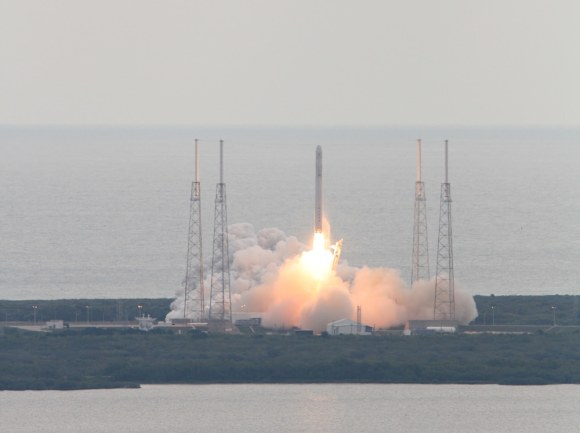 Falcon 9 SpaceX CRS-2 launch of Dragon spacecraft on March ...