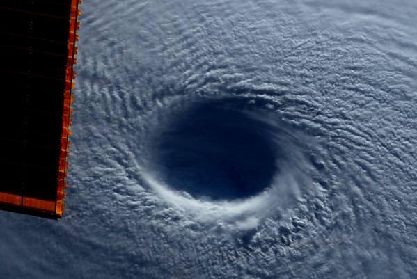 "Eye of Super Typhoon Maysak Looks ""Like a Black Hole"" from ..."