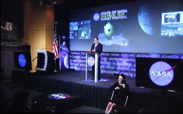 Trump Proposes 19.1 Billion 2018 Nasa Budget Cuts Earth