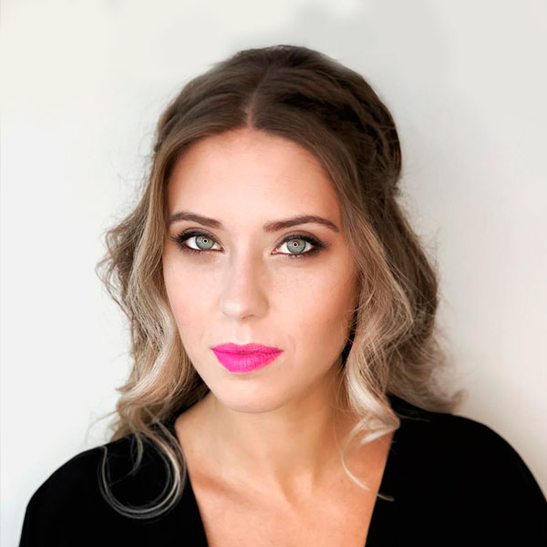 tecnica-maquillaje-curso-peluqueria-universidad-de-la-imagen