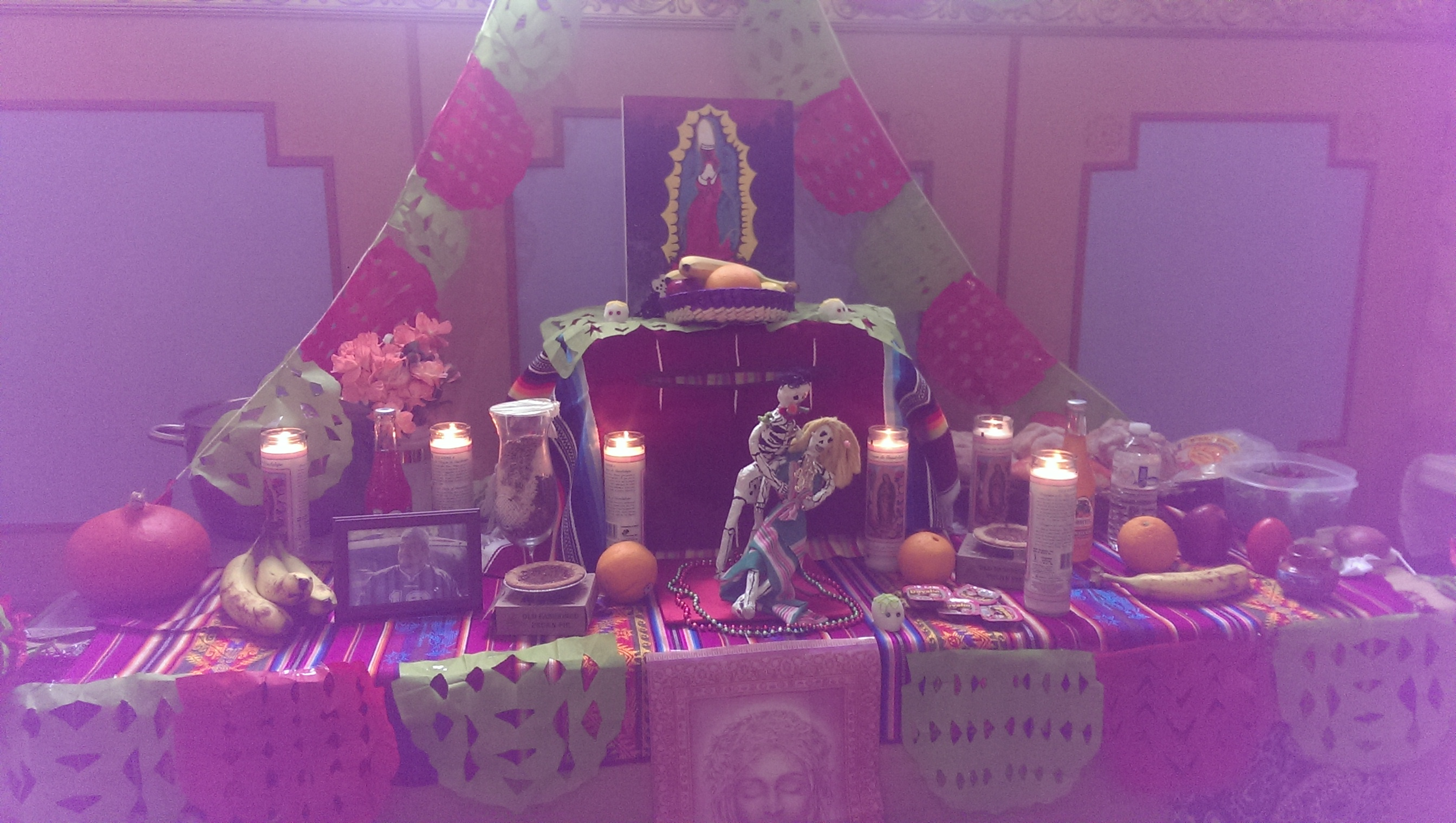 why do we celebrate the day of the dead iexcl escucha listen the day of the dead is a holiday to remember and give tribute to people who were a part of this world