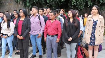 Estudiantes de la Facultad de Derecho y Ciencias Sociales de la UMSNH en el arranque del ciclo escolar