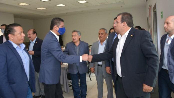 Mazier Contreras, presidente de la CMIC Michoacán, da la bienvenida al Rector de la UMSNH Cárdenas Navarro