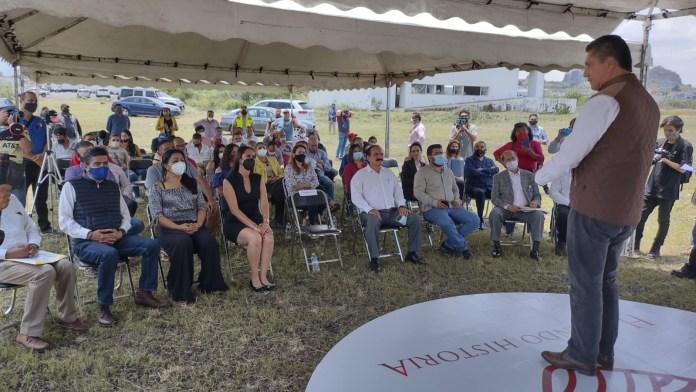 Autoridades del H. Ayuntamiento de Zamora, en acto protocolario entregaron un predio desincorporado a la comunidad Universitaria nicolaita.