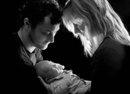 Coppia innamorata con bambino