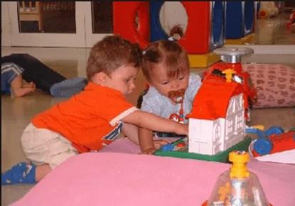 bambini all'asilo nido